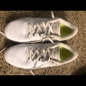 Nike cheer shoes size 7